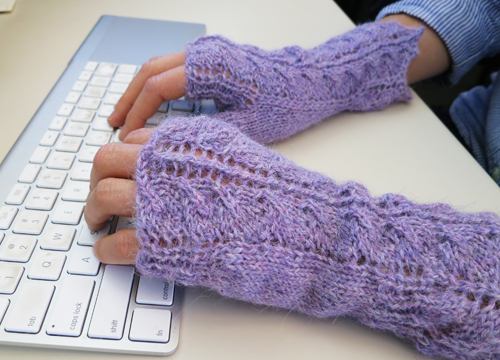 Queen Annes Lace Free Fingerless Gloves Knitting Pattern Tuesday